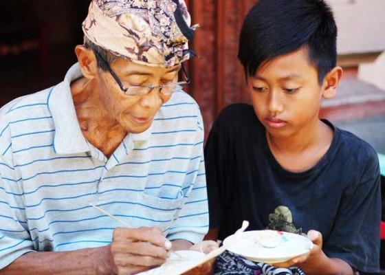 Nusabali.com - wayang-kamasan-menjauhi-era-keemasan