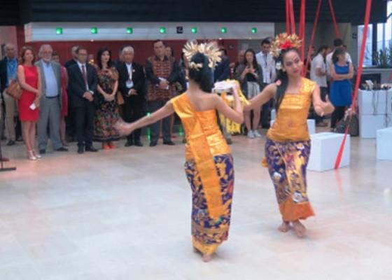Nusabali.com - festival-pariwisata-internasional-di-perancis-suguhkan-tari-panyembrahma