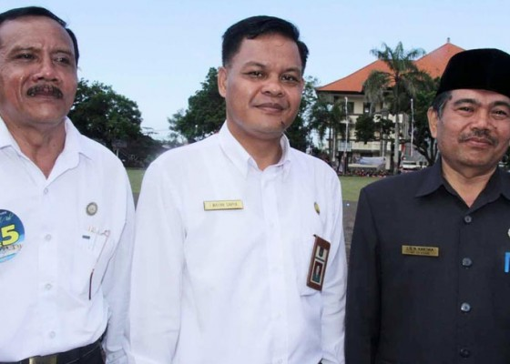 Nusabali.com - disdikpora-tolak-permendikbud