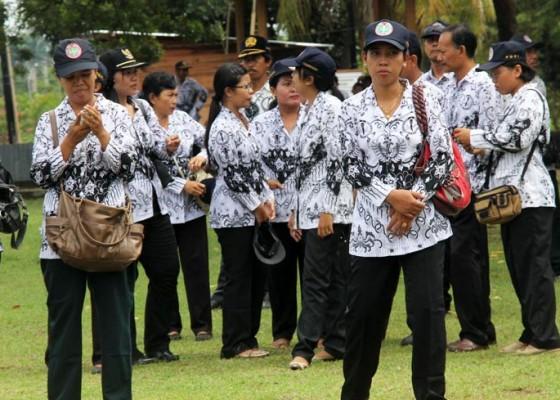 Nusabali.com - selama-2015-82-guru-di-karangasem-pensiun