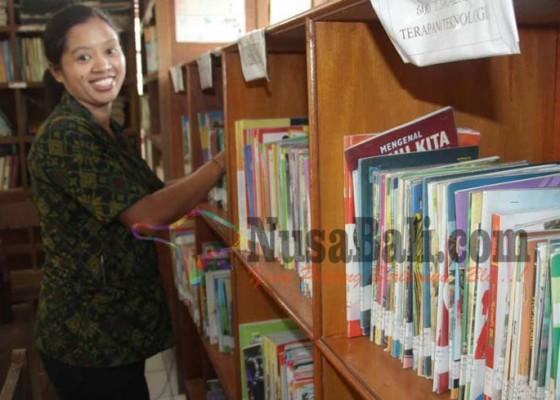 Nusabali.com - gaji-pustakawan-smpn-memprihatinkan