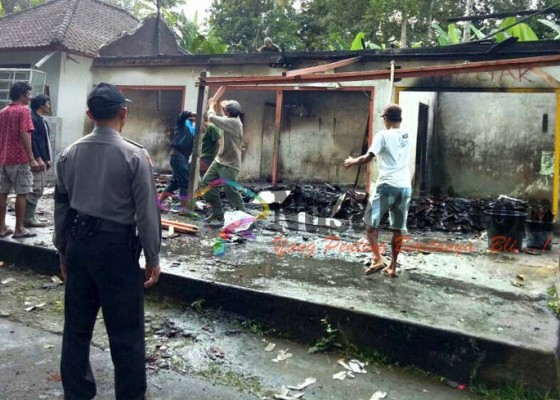 Nusabali.com - gas-bocor-kios-ludes-terbakar