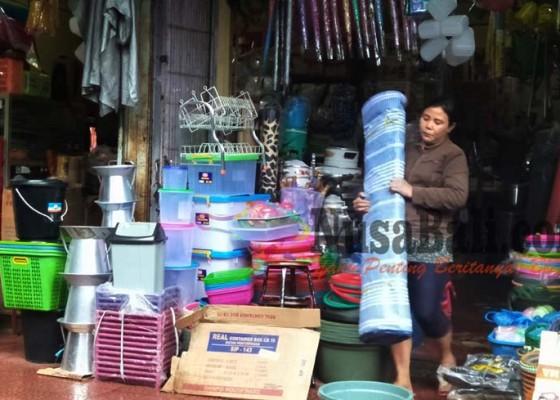 Nusabali.com - barang-dagangan-rentan-ilang