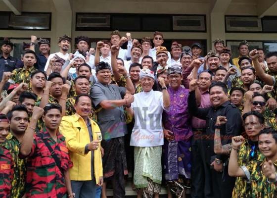 Nusabali.com - cok-ibah-nyalon-bupati-puri-ubud-bisa-terbelah