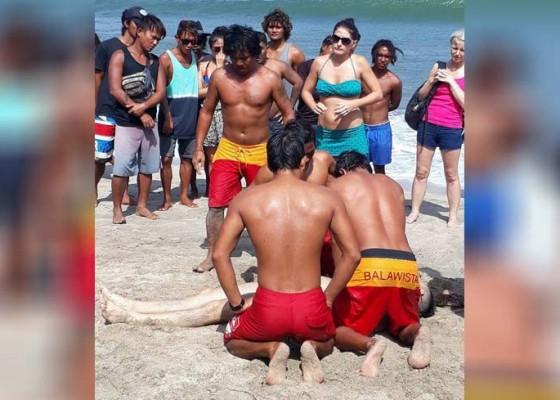 Nusabali.com - turis-tenggelam-1-tewas-1-kritis