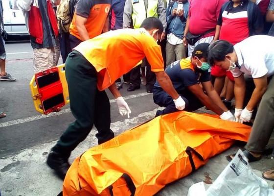 Nusabali.com - pengendara-motor-tewas-dengan-kepala-retak