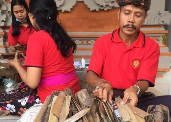Nusabali.com - lontar-geria-gede-tandeg-memutih-dan-buram