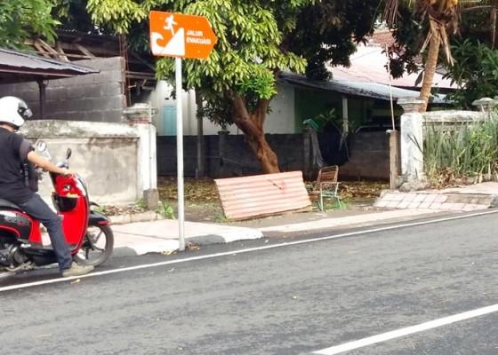 Nusabali.com - pesisi-seririt-rentan-tsunami