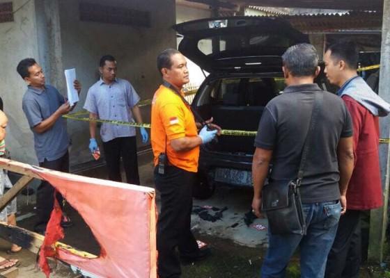 Nusabali.com - mobil-di-garase-terbakar-polisi-selidiki-dugaan-unsur-kesengajaan