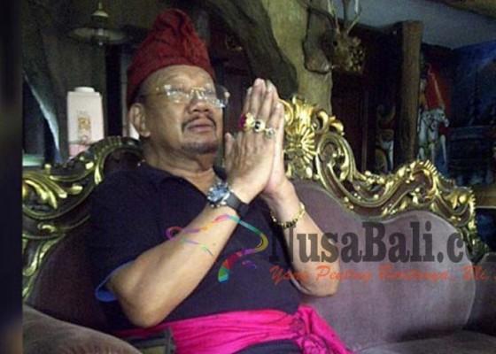 Nusabali.com - diduga-palsukan-sertifikat-tanah-raja-pemecutan-polisikan-adik-tiri