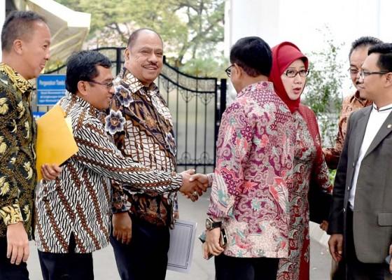 Nusabali.com - pan-diminta-tarik-menteri-dari-kabinet-kerja