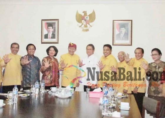Nusabali.com - ke-phdi-menkominfo-minta-saran-soal-medsos