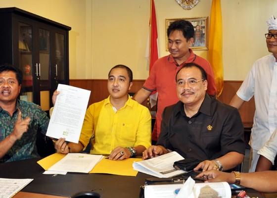 Nusabali.com - kabinet-sudikerta-korry-teken-pakta-integritas