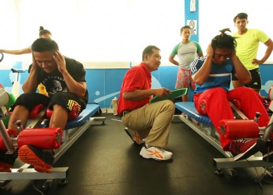 Nusabali.com - lifter-bali-jalani-pelatnas-olimpiade