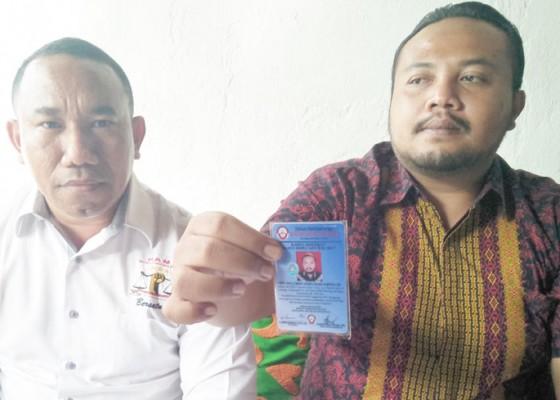 Nusabali.com - putu-nova-tegaskan-bukan-advokat-bodong