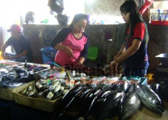 Nusabali.com - garam-langka-nelayan-kedonganan-kelimpungan