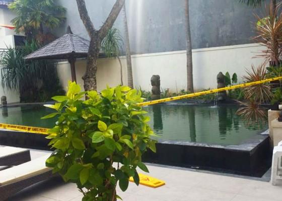 Nusabali.com - dua-bocah-kakak-adik-tenggelam-di-kolam-hotel