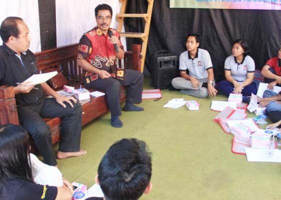 Nusabali.com - dua-buku-kumpulan-puisi-sastrawan-buleleng-dibedah