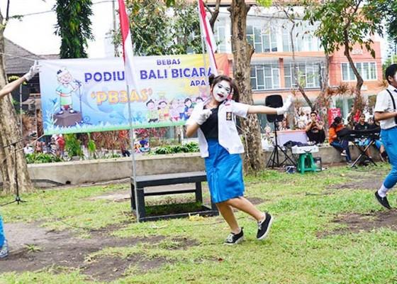Nusabali.com - siswa-smk-ti-global-beri-tips-internet-sehat