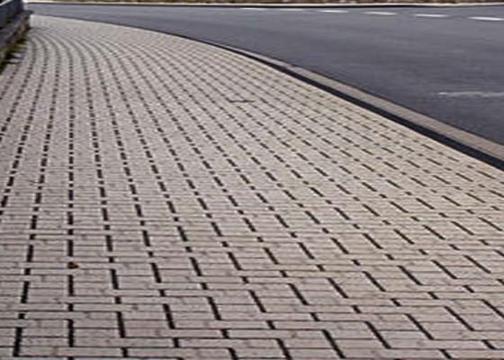 Nusabali.com - material-bangunan-di-trotoar-jadi-sorotan