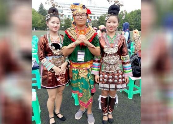 Nusabali.com - siswa-smkn-3-singaraja-tampilkan-tari-bali-di-china