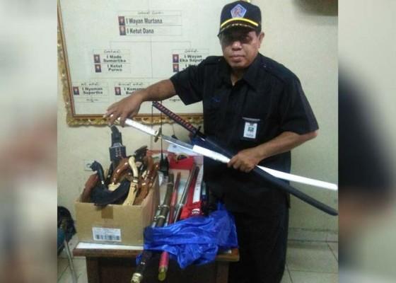 Nusabali.com - breaking-news-ditemukan-belasan-senjata-tajam