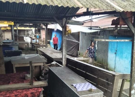 Nusabali.com - pedagang-bingung-cari-lokasi-jualan