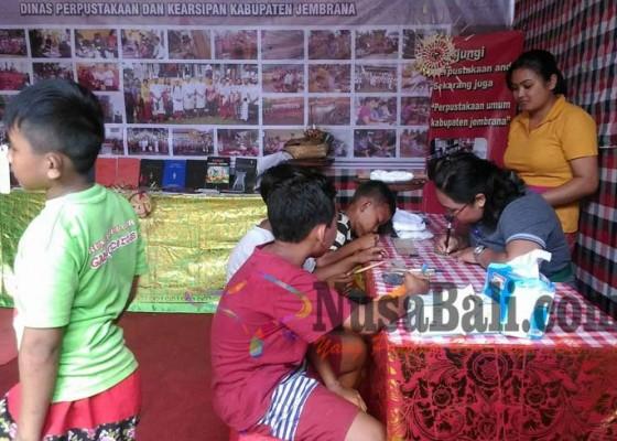 Nusabali.com - penyuluh-temukan-41-lontar-rusak