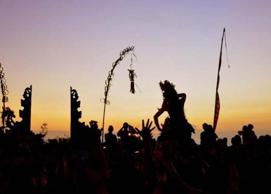 Nusabali.com - dua-sekaa-gong-anak-anak-desa-pakraman-kesiman-mebarung
