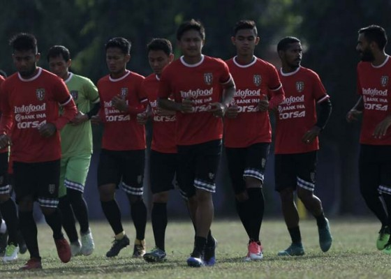 Nusabali.com - all-out-gempur-persela