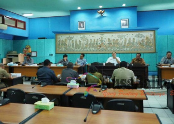 Nusabali.com - kesenjangan-gaji-karyawan-swasta-disoroti