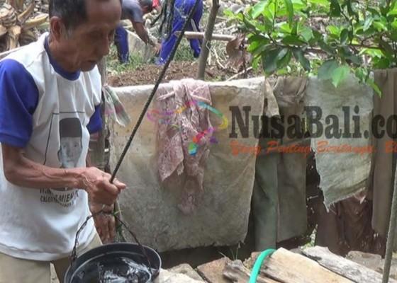 Nusabali.com - air-sumur-diduga-tercemar-limbah-pabrik-kertas