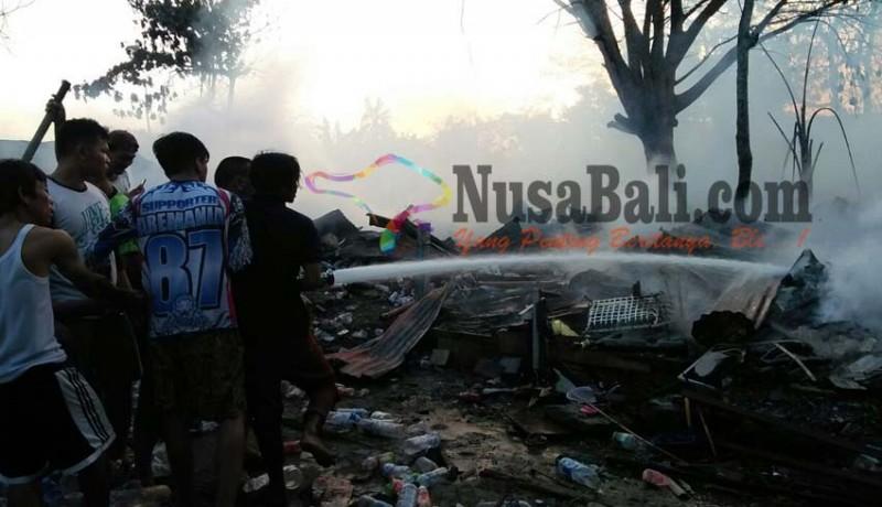 www.nusabali.com-bedeng-terbakar-20-kk-ngungsi