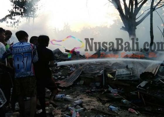 Nusabali.com - bedeng-terbakar-20-kk-ngungsi