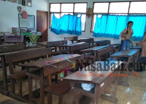 Nusabali.com - dibangun-tahun-1910-ada-bangku-peninggalan-belanda