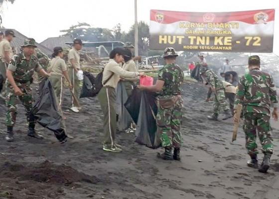 Nusabali.com - karya-bhakti-tni-bersihkan-pantai
