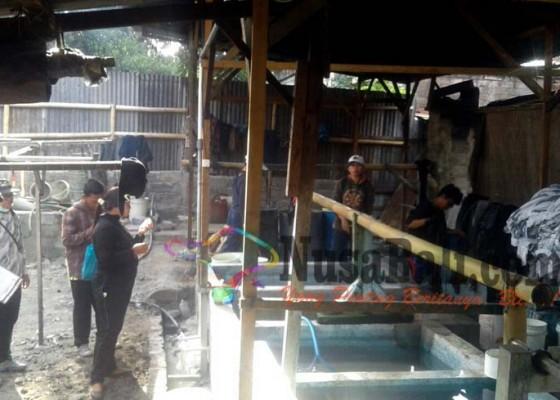 Nusabali.com - 17-tempat-usaha-diduga-penyebab-busa-putih-di-sungai