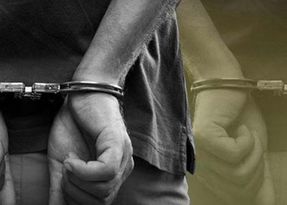 Nusabali.com - giliran-lima-anak-buah-bendesa-ditahan