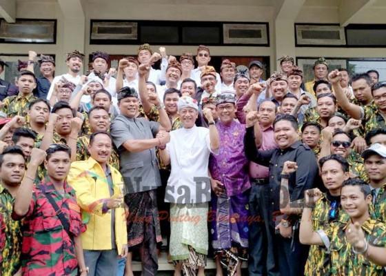 Nusabali.com - tjok-ibah-serahkan-ke-kgb
