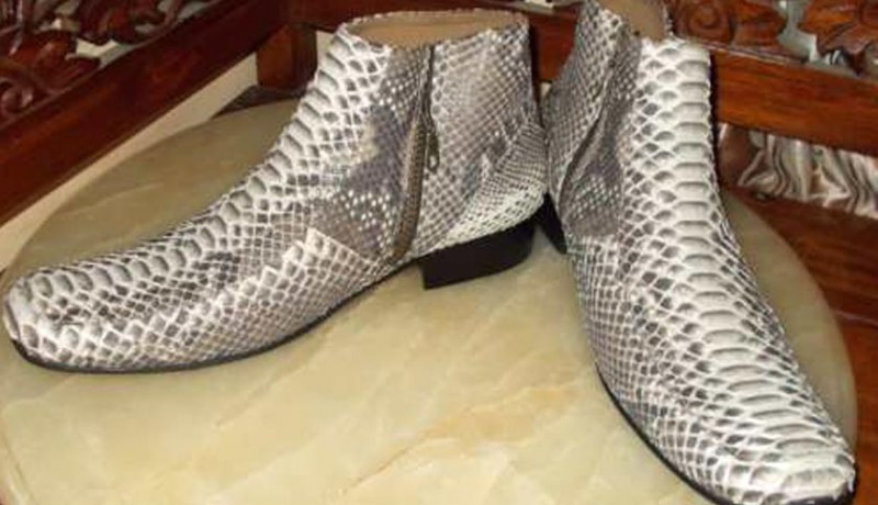 Kerajinan Biawak Sepatu Pengrajin. www.nusabali.com-perajin-buleleng -produksi-sepatu-kulit- 70e074a25e