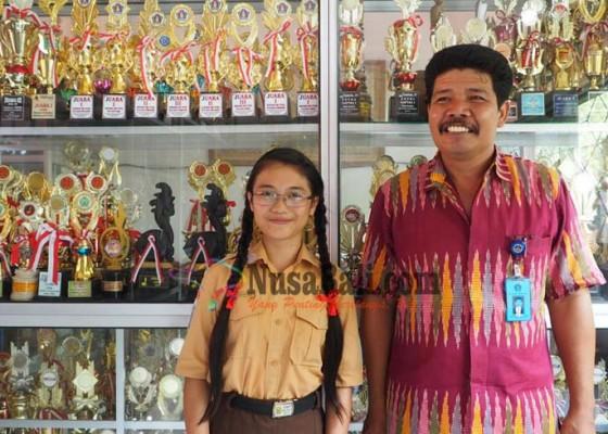Nusabali.com - siswi-pengungsi-wakili-bali-ke-debat-nasional