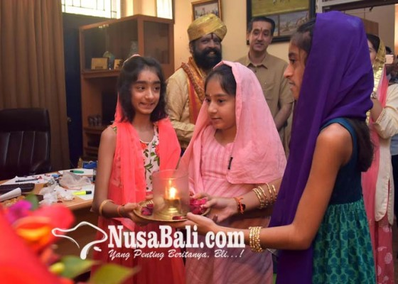 Nusabali.com - yayasan-taman-mahatma-gandi-gelar-puja-dipawali-ke-17
