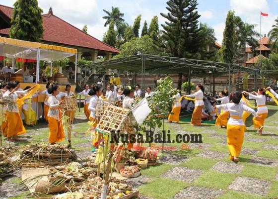 Nusabali.com - pemkab-klungkung-gelar-upacara-pamahayu-jagat