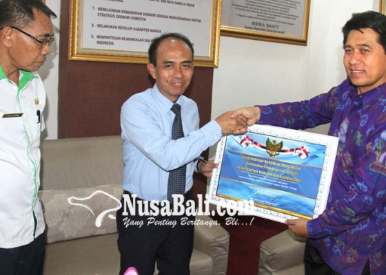 Nusabali.com - klungkung-raih-penghargaan-menkeu-ri