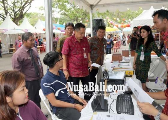 Nusabali.com - job-fair-ke-3-disnaker-harapkan-30-persen-pelamar-diterima-perusahaan