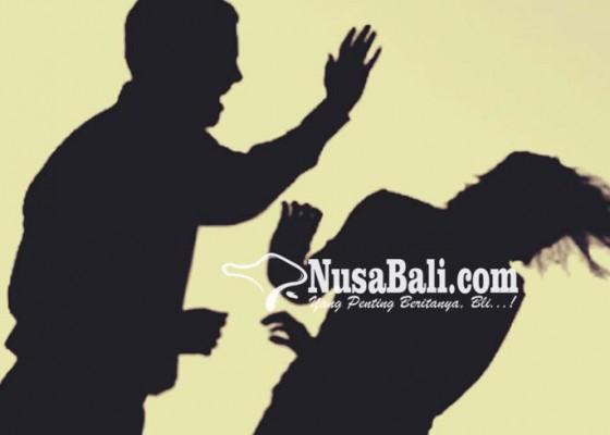 Nusabali.com - disuruh-menunggu-suami-emosi-lalu-aniaya-istri