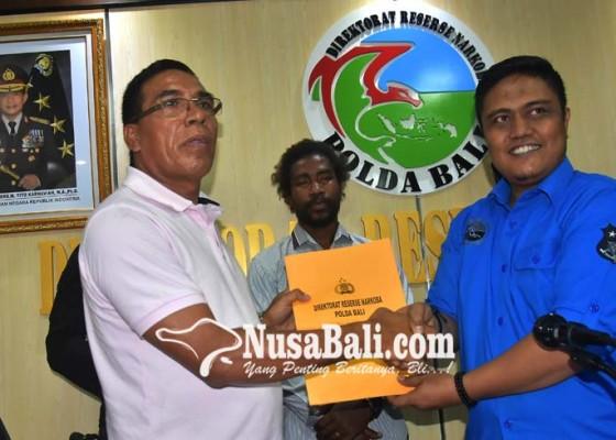 Nusabali.com - polda-serahkan-buronan-timor-leste