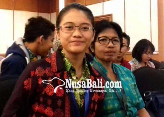 Nusabali.com - siswi-smpn-3-selat-masuk-12-besar-olsn