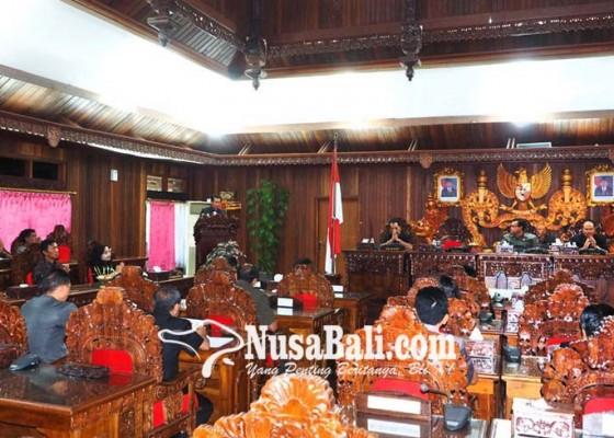 Nusabali.com - ranperda-apbd-klungkung-2018-dibahas