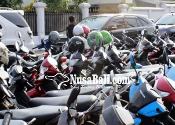 Nusabali.com - pembangunan-areal-parkir-motor-di-bandara-molor
